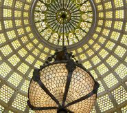 Dome-oculus-with-chandelier